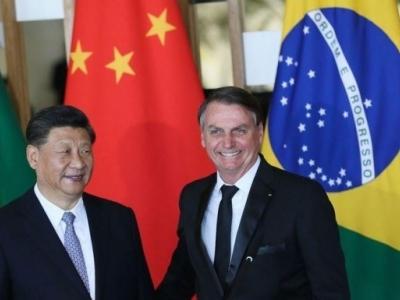 Brasil e China assinam acordos em áreas da saúde, política e comércio