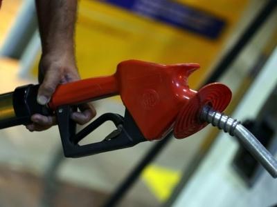 Combustíveis sobem 0,51% em novembro, acima da inflação oficial