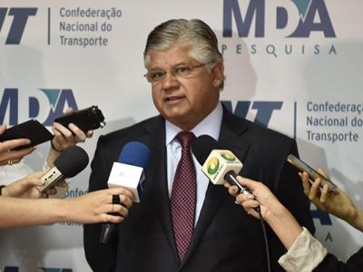 Clésio Andrade apresenta resultados da 133ª Pesquisa CNT/MDA