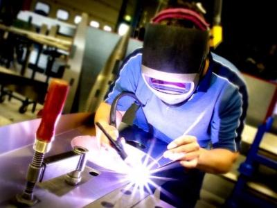 Produção industrial cresce 0,8% em setembro ante agosto, diz Ipea