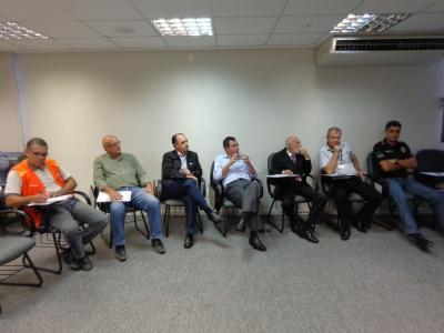 Transcares reúne grupo para falar sobre abastecimento das cidades