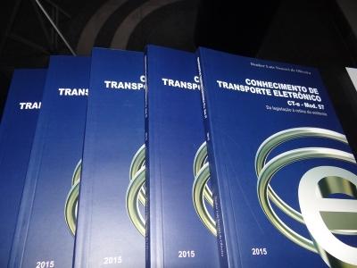 Transcares patrocina livro sobre CT-e, escrito por Deuber Vescovi