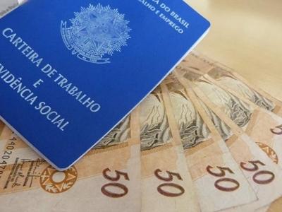 Comissão aprova novo valor do salário mínimo, que pode, pela 1ª vez, ficar acima de R$ 1 mil