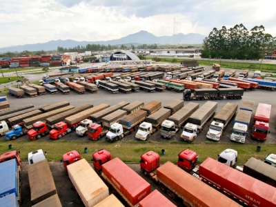 Transporte rodoviário de cargas é atividade indispensável